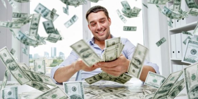 Thắng cá độ bóng đá online: Tiêu tiền như thế nào?