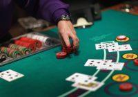 Bí kíp làm giàu từ đánh bài casino trực tuyến